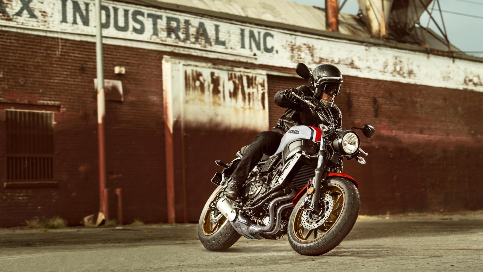 XSR700 « Sport Heritage « Mootorrattad « TOOTED « Yamaha